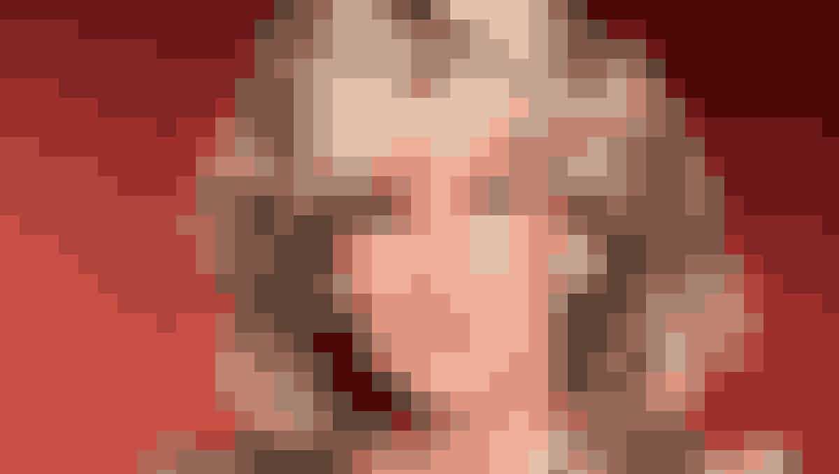 """Skuespilleren Linda Evans fra TV-serien """"Dollars""""."""