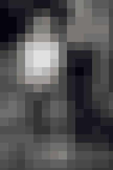 De er repræsenteret i Barneys i New York, bliver hyldet i både mode- og interiørmagasiner verden over, og Connie Nielsen og Christy Turlington elsker deres strik. Efter nytår fylder Aiayu med Maria Høgh Heilmann og Marie Worsaae i spidsen 10 år. Mød dem på s. 38 og få historien om et brand, der er bygget på en stædig vision om at gøre en forskel.   Foto: Asger Mortensen