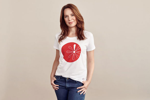 Årets Knæk Cancer t shirt kan købes nu | ELLE