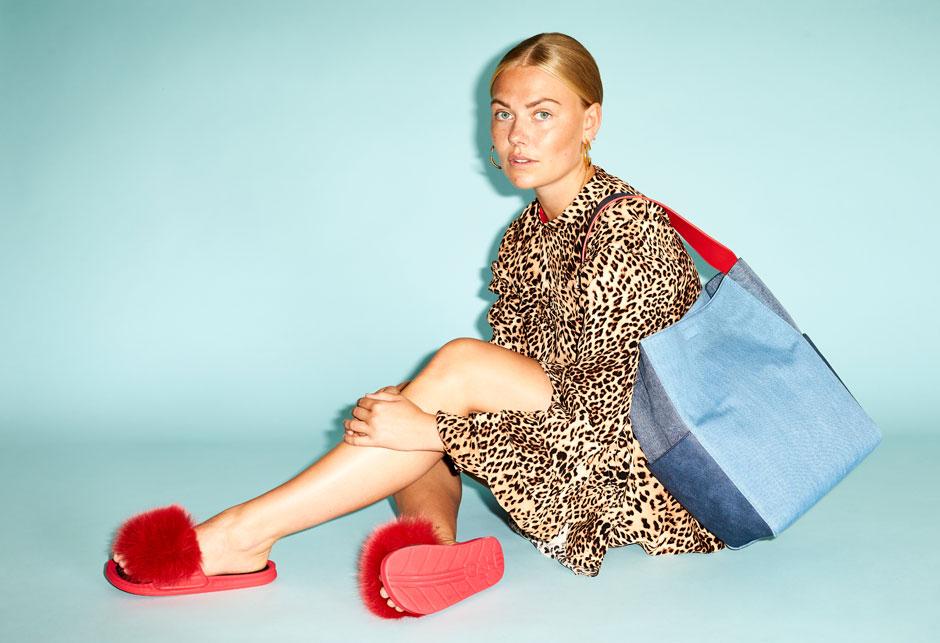 Foxy News: Sommerens populære sandaler med pels relanceres i