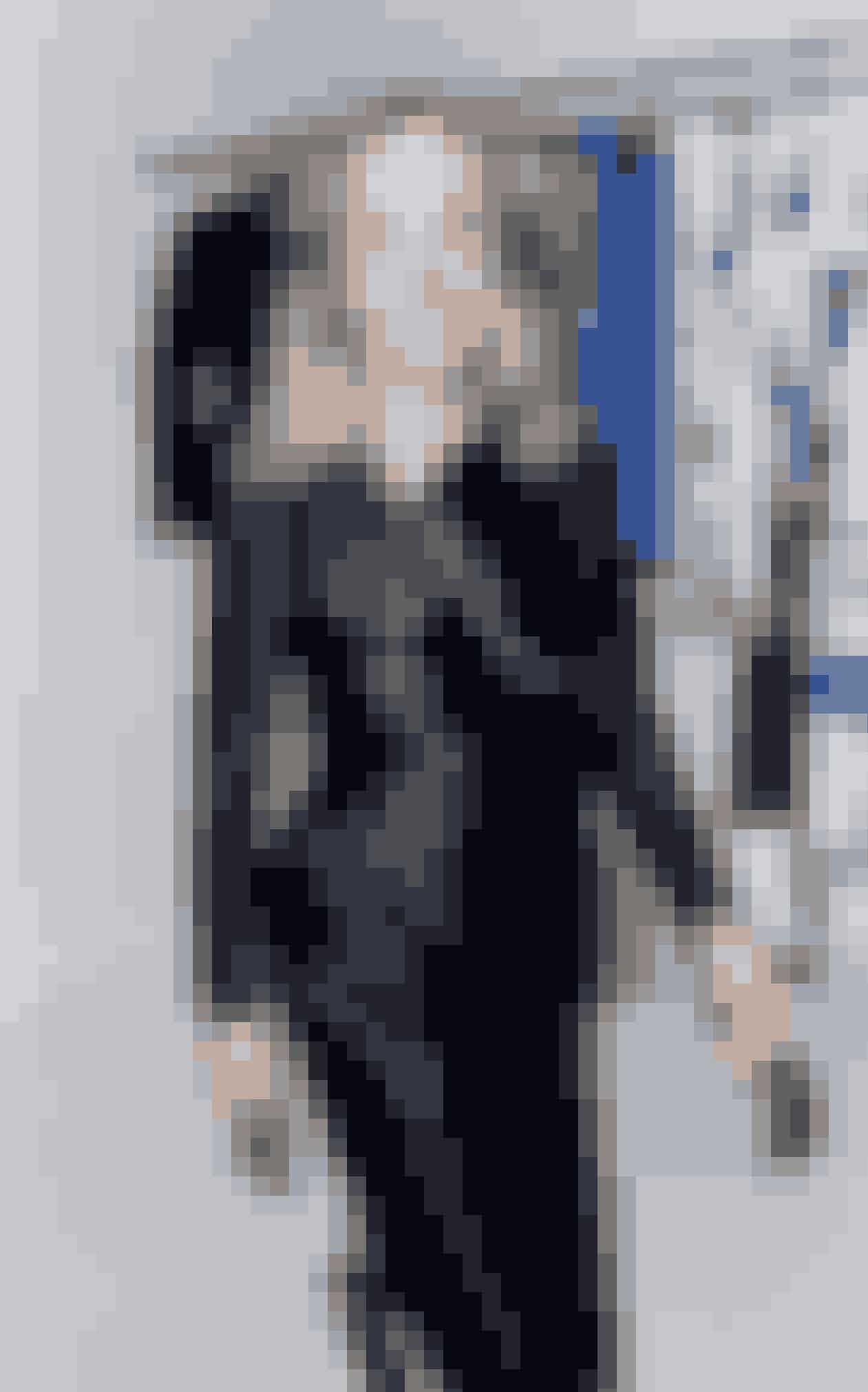 I det nye ELLE kan du blive klogere på vinderen af prisen 'Årets designer' ved ELLE Style Awards 2015, Freya Dalsjö, der bor på indre Nørrebro. Lotte Freddie har mødt hende til en snak om mode...