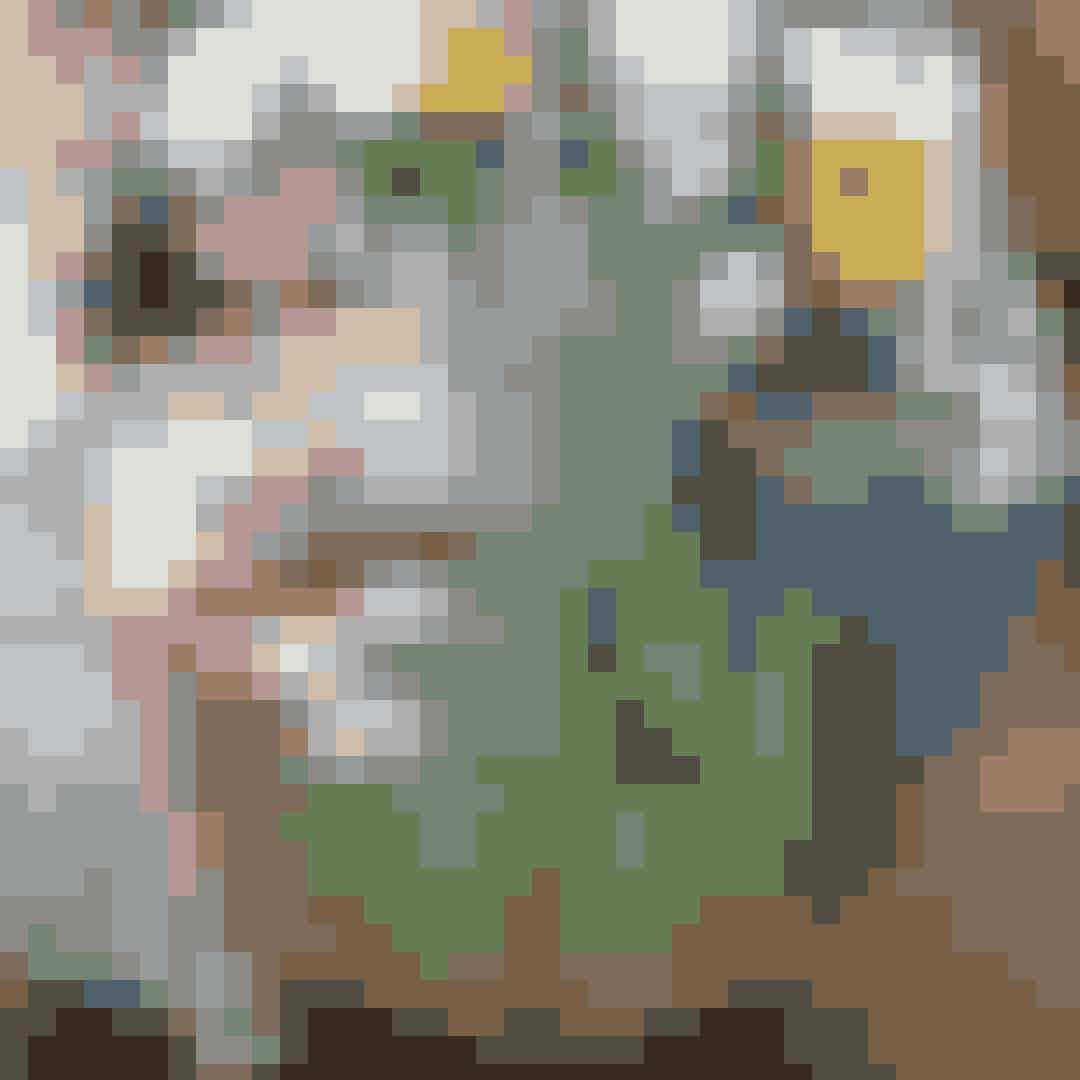 DoraEfter du har nydt din croissant og kop kaffe ved Værnedamsvej, så skal du forbi Dora, der ligger på hjørnet af Tullinsgade og Værnedamsvej. Designbutikken, der byder på alt fra designklassikere fra Flos, Georg Jensen, Made a Mano og Frama til finurlige og fine vintage-items. Her kan du både få fingre i dyre deisgnklassikere og små gadgets – perfekte til værtindegaven. Psst. Står du og mangler en kyndig interiørdesigner kan du ligeledes booke en af Doras ansatte til det.Hvor: Værnedamsvej 6, 1619 København V.