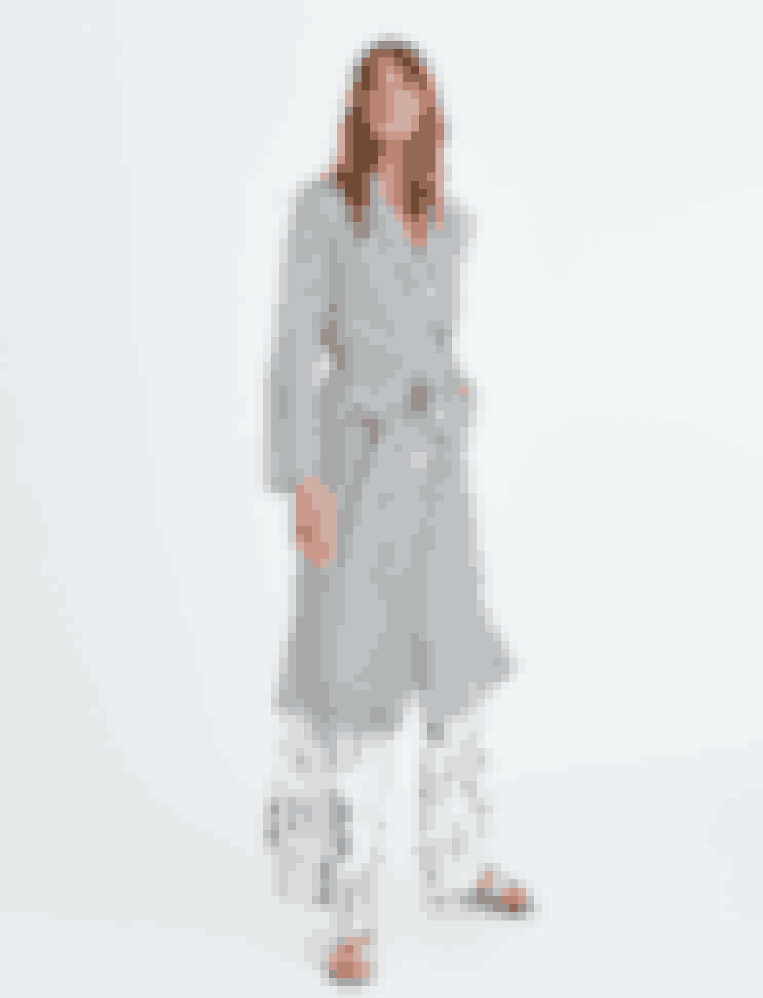 Kimono, 1.899 kr., Bukser, 1.499 kr. eksklusivt hos Boozt.com