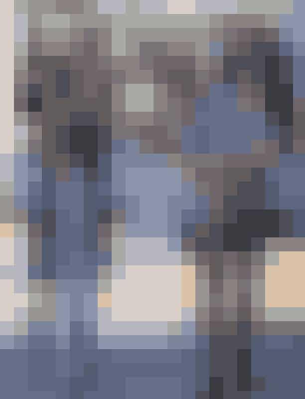Kourtney Kardashian, Mason og PenelopeNår man har mere end et barn, hvorfor så ikke skabe en hel flok af mine-me's? På en tur i Los Angeles havde Kourtney Kardashian klædt hele flokken i matchende sorte og hvide striber – et simpelt og chikt look.