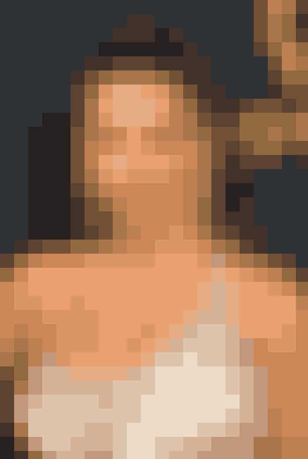 3. Sofia Vergara Sofia Vergara havde valgten lys brun øjenskygge, der komplimenterede hendes solbrune glød samt en ferskenfarvet blush, der gav plads til fokus på hendes brune og røde læber, som stod i smuk kontrakt til hendes sølvfarvede kjole.
