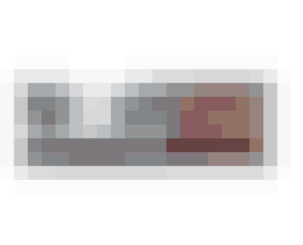 'Textured Shadows Palette', HUDA Beauty, 540 kroner.TIP: For at fæstne øjenskyggen bedst muligt og skabe et endnu mere intenst resultat kan du bruge en meget fed creme som den ikoniske Skin Food fra Weleda.