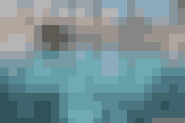 5. Ruths HotelBliv blæst igennem med en gåtur langs stranden og forkæl derefter kroppen i spafaciliteterne på det traditionsrige Ruths Hotel i Skagen. Som noget helt særligt kan du ud over at prøve diverse spabehandlinger samt sauna, dampbad og massagebruser, dyrke motion på motionscyklerne, der står under vandet, hvis det bliver lidt for afslappet for dig.Wellness-oplevelse fra 1.245 kr.Læs mere her.