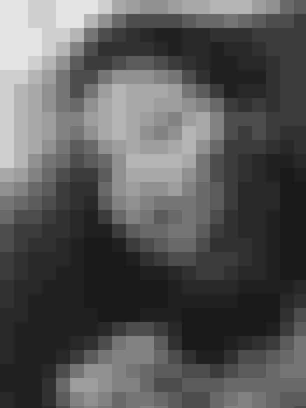Vivien Leighs trick til 'større' læberVivien Leigh var usikker over sin smalle underlæbe. For at kompensere brugte hun en lip-liner til at tegne udover sine læber for at give illusionen af større læber.