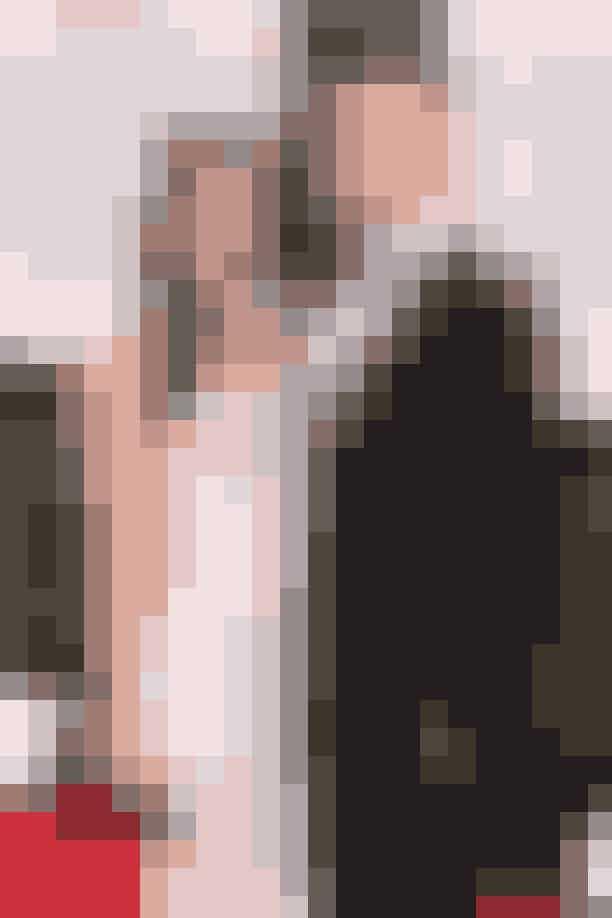 Megan Fox og Brian Austin Green Da Brian valgte Hawaii som den romantiske destination for sit planlagte frieri tilbage i 2010, virkede planen skudsikker. Frieriet gik da også efter planen lige indtil, at Megan helt overvældet og overrasket sagde ja – og på samme tid slog diamantringen ud af hænderne på Brian. Ringen landede i det dybe sand, og selvom hotelpersonalet indledte en hektisk eftersøgning, der varede det meste af dagen og natten, fandt de desværre aldrig ringen igen.