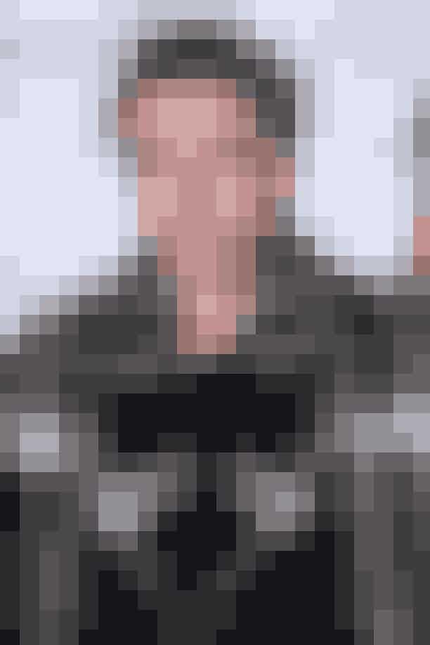 Brooklyn Beckham, 18 årSom søn af en fodboldstjerne og Spice Girls sangerinden var det helt sikkert, at Brooklyn fra barnsben ikke skulle leve et helt almindeligt liv. Han kastede sin opmærksomhed på fotografi, og lærer nu fotografiets teknikker på den anerkendte kunstskoleParsonsi New York. Og selvom Brooklyn stadig er ved at etablere sig som fotograf, har han allerede publiceret sin egen bog, som hedder 'What I See', har fotograferet en kampagne for Burberry og har arbejdet med top-fotografen Nick Knight. Og fik vi nævnt, at den unge Beckham har 10 millioner følgere på Instagram? Ham kommer vi helt sikkert ikke udenom i fremtiden.