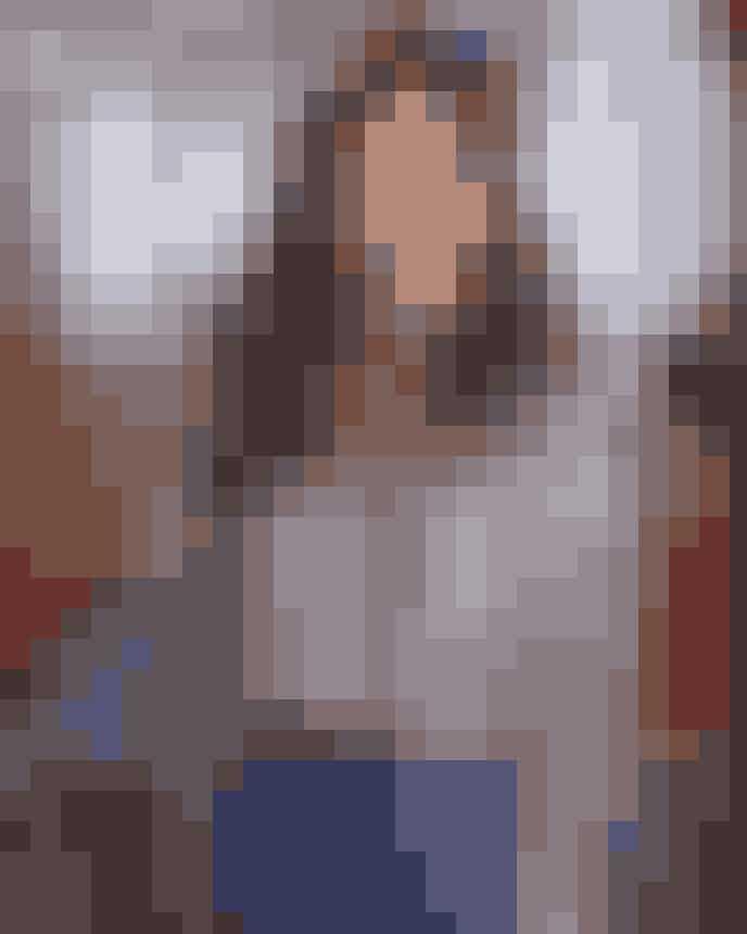 Jennifer AnistonInden Anistons berømmelse nåede toppunket, medvirkede hun i NBC's tv-serie 'Ferris Bueller'. I 1990 deltog den unge Aniston i en netværksfest som følge af serien, som faktisk endte med at bane vejen til rollen som Rachel Green.