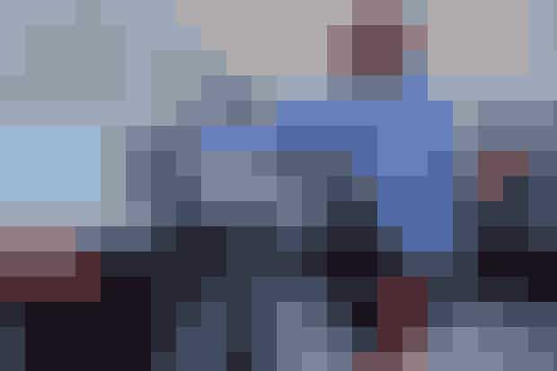 ELLEs moderedaktion dækker traditionen tro også alle de mange shows på årets showkalender, og vil opdatere løbende fra alle dage under modeugen på Instagram @elledanmark. Dertil kan du også følge med på ELLE.dk, hvor du finder alt fra interviews med designerne og den bedste streetstyle til at komme med behind-the-scenes og se masser af video fra modeugen.... Stay tuned!
