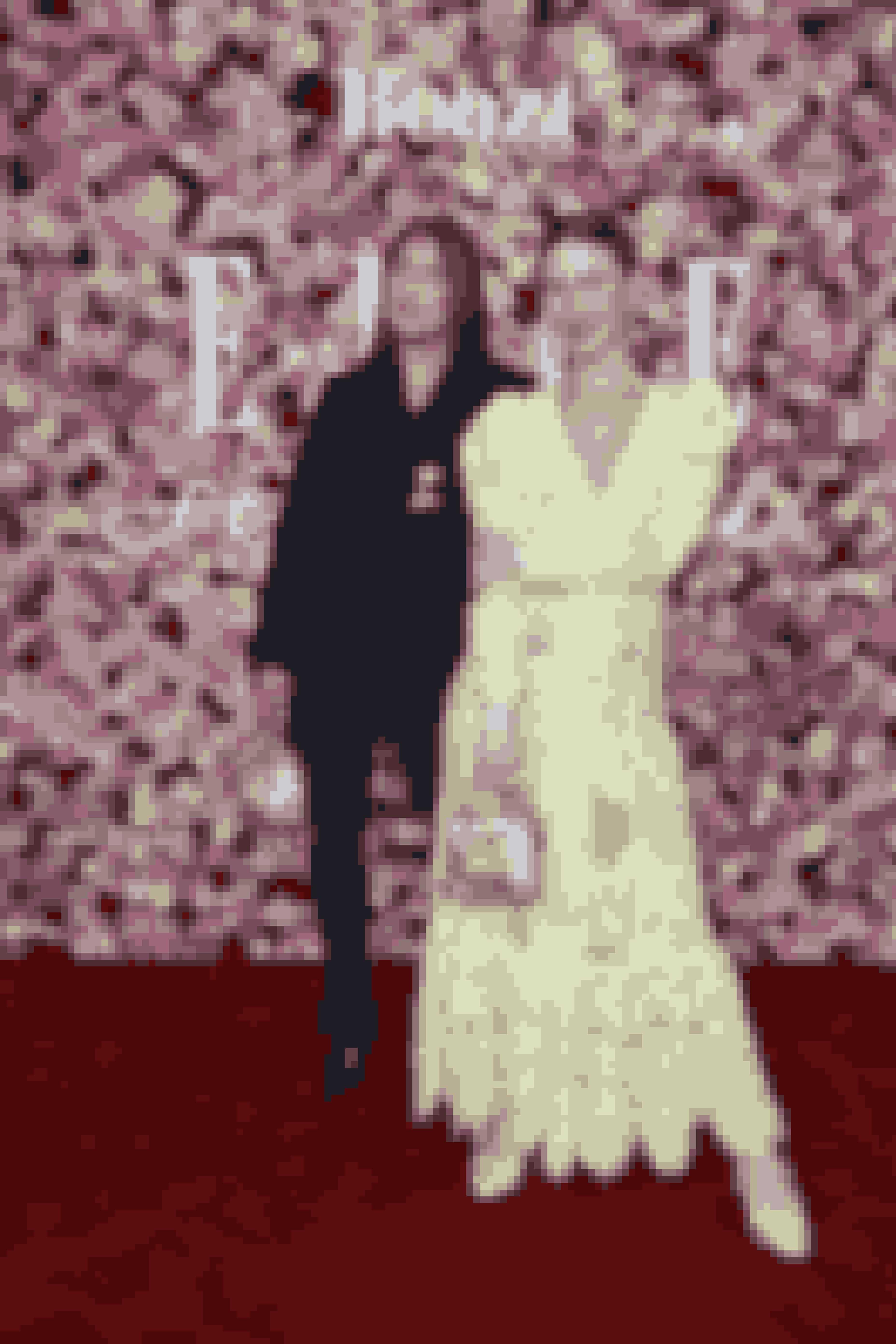 Trine Tuxen i kjole fra Mr Larkin, sko og taske fra Maryam Nassir Zadeh og smykker fra Trine Tuxen sammen med