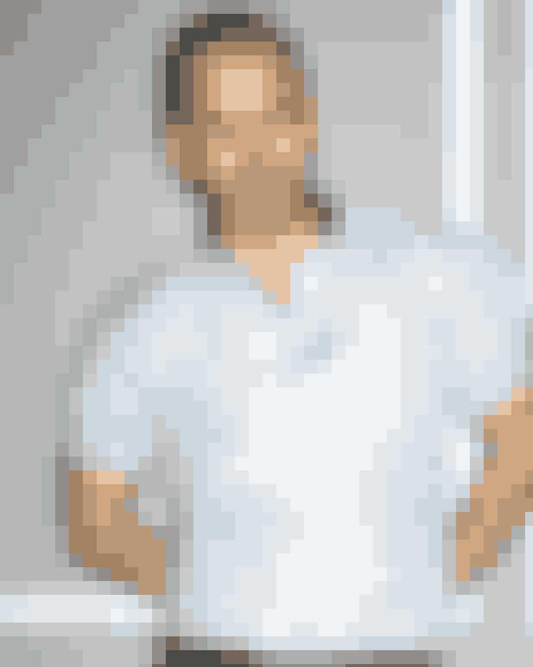 """Uffe Buchard i sin halvårlige trendrapport om moden anno S/S 2019: """"Boblen punkterede sidste år, og den trivialiserede influecer-influenza spredte sig heldigvis ikke yderligere"""". Gå ikke glip af modemandens eksklusive analyse af modebilledet lige nu, som i følge ham selv i den grad burde få et ordenligt karatehug."""