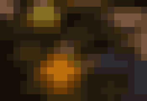 Aarstidernes julestuer: 22. november til 23. decemberAarstiderne byder indenfor til julestue i både Aarstidernes Gårdbutik på Krogerup Avlsgaard og Fasangården i Frederiksberg Have.Begge steder kan du varme dig på alkoholfri gløgg og smage på hjemmebagte julesmåkager. Dertil får du serveret varm suppe på Fasangården, mens du på Krogerup kan smage deres populære hotdogs med confiteret and.Læs mere om Krogerups julestue her og Fasangårdens julestue her.Entre: gratisHvor: Krogerups Avlsgaard,Krogerupvej 3C,3050 Humlebæk, Frederiksborg og Fasangården,Søndre Fasanvej 73, 2000 FrederiksbergHvornår: kl. 10-16