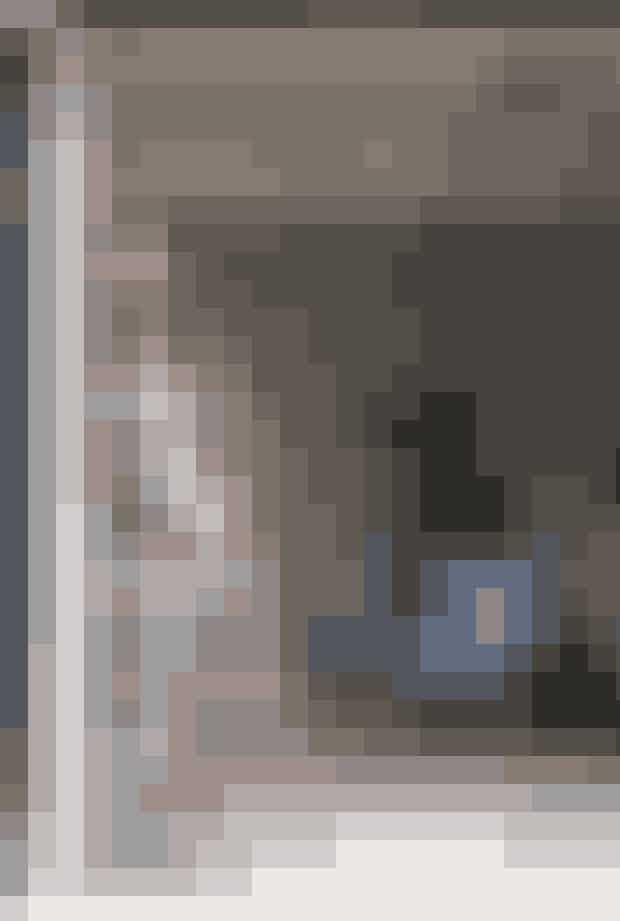 Her bor: Anne-Dorthe Larsen, 38 år, kreativ direktør og ejer af Nué Group, der tæller butikkerne Lovechild 1979, Nué og Another Nué samt mærkerne Nué Notes og Lovechild 1979. Bor til daglig i København K sammen med sin kæreste og købte sommerhuset i Vejby i efteråret 2016. Følg Nué-universet på Instagram @nue_group