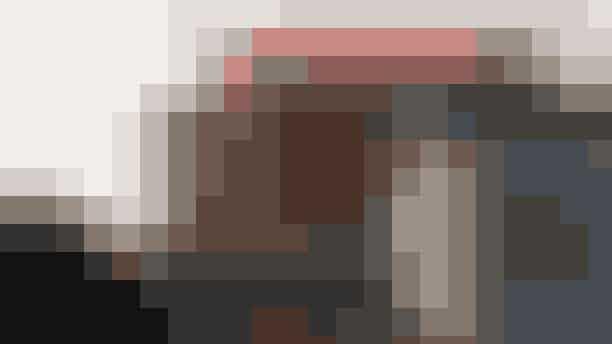 Søndagsomvisning på ARoS.Brug din søndag på ARoS og deltag i søndagsomvisningerne, som er gratis efter betalt entré. En kunstfaglig guide viser rundt på udvalgte steder på museet og fortæller om kunsten og menneskene bag. Hver søndag er der nyt tema og nye fortællinger i vente.Hvor: ARoS,Aros Allé 2, 8000 Aarhus.Hvornår: Hver søndag fra kl. 15.00-16-00.