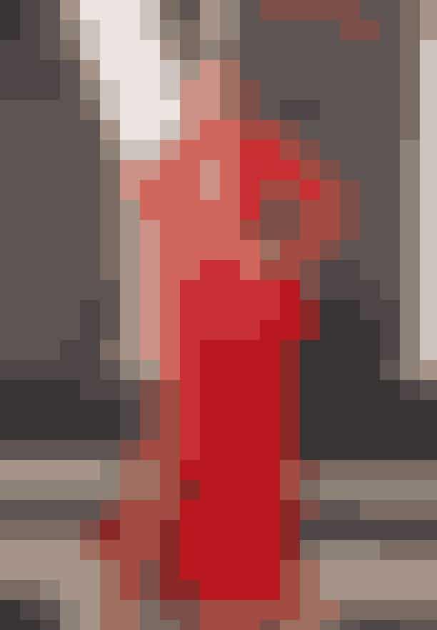"""Ashley GrahamTopmodellen så spektakulær ud ved 2018's Oscar-show i sin specialdesignede kjole af Bao Tranchi, men modellen måtte desværre også indrømme, at det nærmest havde været et job i sig selv at finde frem til en kjole.""""Jeg har haft så travlt – altså først og fremmest for at finde en kjole til Oscar-showet. Piger på min størrelse, og disse piger (siger hun, mens hun peger på sine bryster), jeg mener, det har været et helt job i sig selv at finde en kjole. Så jeg er meget tilfreds med mit outfit i aften,"""" fortalte Graham på den røde løber."""