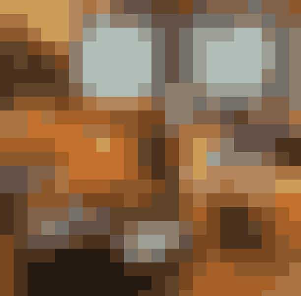 BjørnsBjørns er ét af Madklubbens mange lækre steder. Den moderne Vesterbro-restaurant byder dig indenfor til en skøn morgenmadsoplevelse, hvor du kan finde alt fra scrambled eggs, farverige bowls og avocado-madder til israelsk sabih med friteret aubergine, hummus, æg og salat. Interiøret er hyggeligt og hipt, og du får lyst til at blive siddende længe! (og så er det jo meget heldigt, at restauranten også byder på massevis af læskende, alkoholiske drikke til efter maden)Hvor:Vesterbrogade 64, 1620 København.