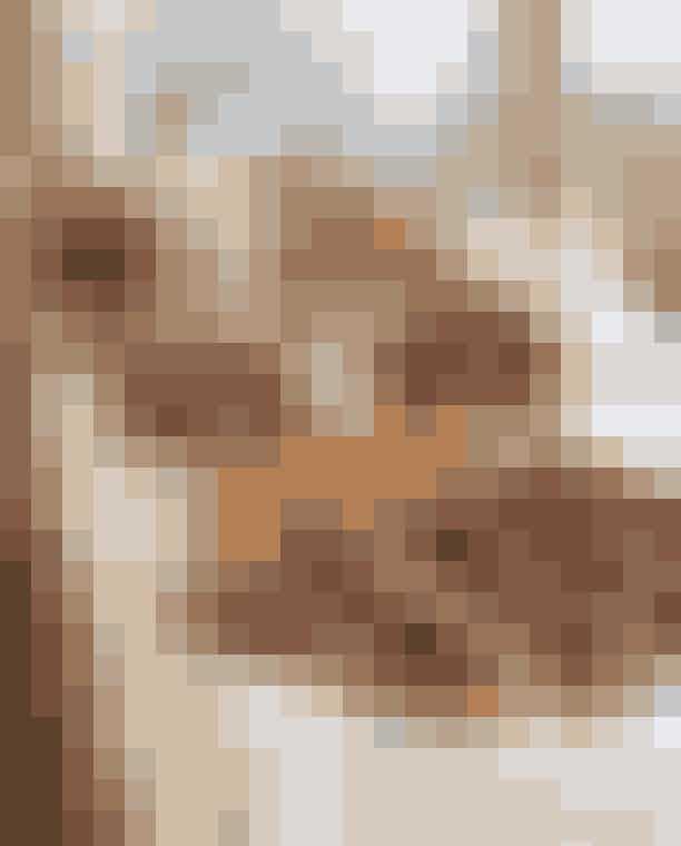 Bottega BarlieIndre bys nyeste hotspot hedderBottega Barlie. Menuen er ikke rocket science, men det er alt det, du gerne vil have til dagens første måltil. Økologisk surdejsbolle med unika ost, avocadomad, omelet og kardemommesnurre - selvfølgelig baseret på danske og økologiske råvarer.Hvor:Fredericiagade 78, 1310 København.