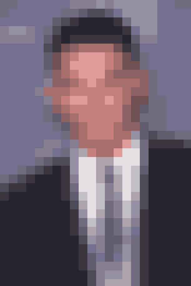 Channing TatumLækkerbisken Channing Tatum blev ikke Magic Mike ved tilfældigheder. Det viser sig nemlig at Channing, under radaren vel og mærke, arbejdede som stripper på en mandlig stripperrevy i Florida - og vi kan faktisk takke manden, der ansatte ham, for at han senere kunne skifte den rolle ud med Magic Mike. Chefen sendte nemlig, uden Channings samtykke, en video til US Weekly, som blev starten på hans skuespillerkarriere. Men som Channing senere har udtat, så gjorde det ham ikke noget, og han har aldrig skammet sig over den del af hans liv. Så alt er godt, og Channing kan jo den dag i dag tilskrive sig en bragende skuespillerkarierre på baggrund af hans ikke-GDPR-agtige chef.