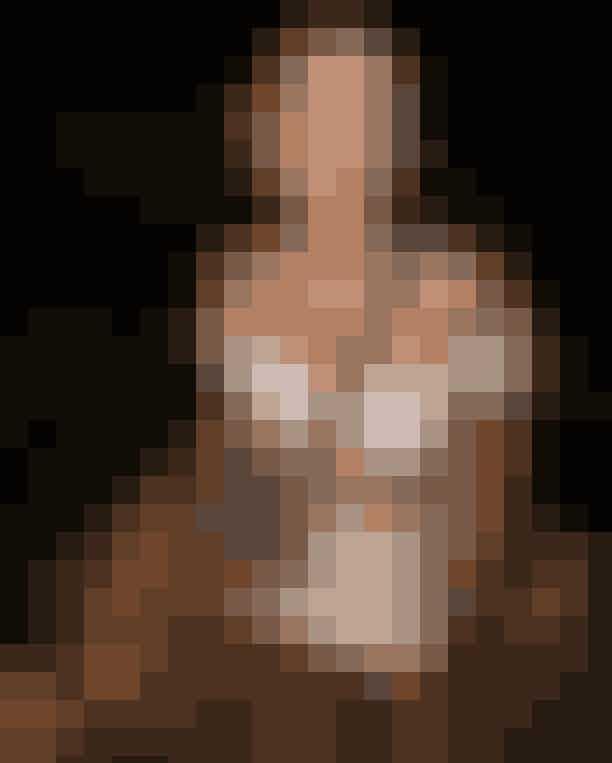 Chiara Ferragni.Ferragni ses ofte i små outfits, der lader den solbrune hud blive set. Kjoler, nederdele, crop-tops og denimshorts udgør en stor del af Chiaras garderobe. Vi ELLE-sker denne kombination med Dior-tasken.