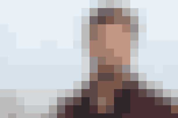 Chris HemsworthUnder et spil True Confessions på The Tonight Show med Jimmy Fallon afslørede Chris Hemsworth, at hans første job var at rengøre brystpumper. Forvirret? Det blev vi også. Hemsworth arbejdede på et apotek, der lejede brystpumper ud, og når de blev returneret, gjorde han dem rent og reparerede de ødelagte. Alle de talenter!
