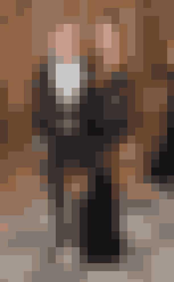 Christopher og Cecilie Haugaard.Parret, der har været sammen siden 2014, nød en solrig septembersøndag i det nordsjællandske sommerland, Tisvilde, og den bød på mere end bare den sædvanlige weekendshygge.Den 26-årige popdreng, der går under det borgerlige navn Christopher Lund Nissen, spurgte nemlig Cecilie, om hun ville være fru Popfugl, og det ville hun gerne.Læs mere om frieriet HER.
