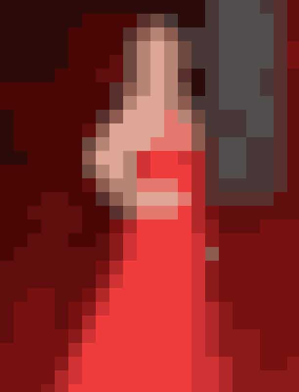 Dakota Johnson ser sexet ud i en rød spaghetti-strop kjole til British Academy Film Awards, år 2016