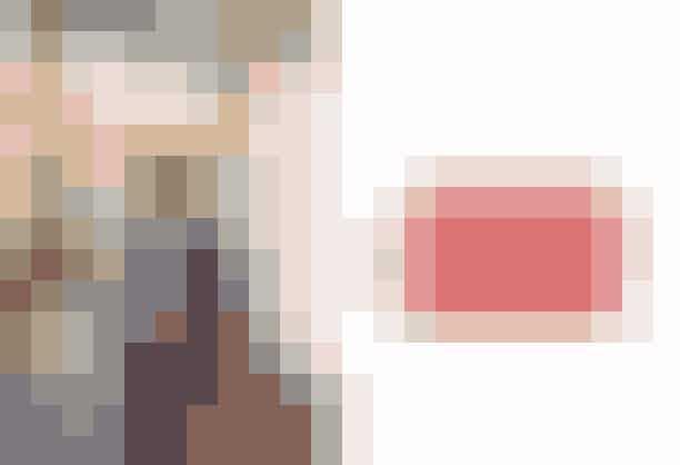 """Style Director, Mie Juel: """"Det var farven jeg faldt for; lyserød uden at være for tuttenuttet, samt taskens 3-i-1 funktionalitet. Den kan både bruges som clutch, bodycross og alm. skuldertaske. What's not to like?"""".'Ophelia Cross Body' i farven 'Suede Blossom', Decadent, 2200 kroner."""