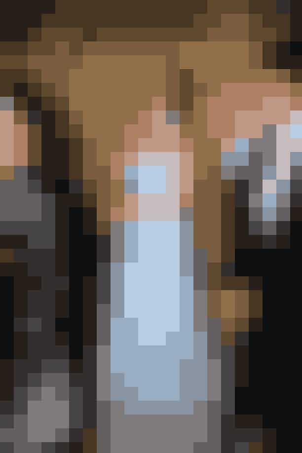Prinsesse DianaPrinsesse Diana var ikke en kvinde, der var bleg for at iklæde sig den samme kjole mere end én gang. Således bar hun en Catherine Walker-silkekjole til en premiere på en opera i 1989 og igen tilCannes Film Festival i 1997. Kjolen har været på auktion og er blevet solgt for lige knap en million kroner.