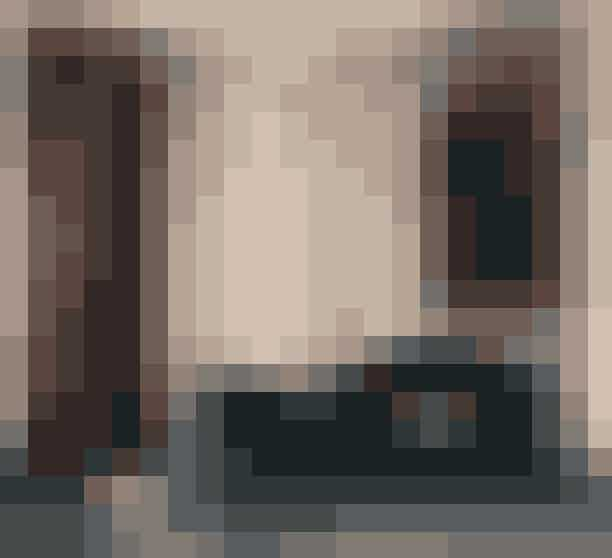 Organiske former!Du kan roligt holde øje med de bløde, feminine kurver, for hvis du kun skal købe en enkelt ting til dit hjem denne sæson, må den gerne være rundet i formen.'Grand Piano'-sofaen fra Gubi har den helt rigtige bløde silhuet.