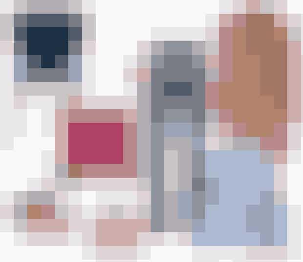 Shop løs i det store shopping-områdeDer mangler bestemt ikke muligheder for at omsætte al inspirationen fra dagens trendsessions til konkrete køb til ELLE & Dig. I shopping-området kan du gå på opdagelse hos mode fra Ellos, bolig-accessories fra ILVA Trend, Be-Fashionable.com med fine smykker fra Anni Lu, Line & Jo, Månesten og Julie Sandlau, Miild makeup, lækker hudpleje fra pHformula, Stenders hårprodukter, Uffes bog-stand og i ELLE-shoppen – blandt andet!