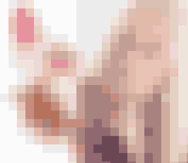 """Anne P., ELLEs Beauty DirectorAnne P. er værtinde for den store skønhedssession hvor hun fortæller stiller skarpt på pHformula og Miild.""""På skønhedssessionen vil jeg glæde mig til at fortælle nogle gode historier, der forhåbentlig guider og inspirerer. Jeg kommer til at dele en meget personlig hud-historie, og så skal vi have et indblik i verdens første – og danske – allergivenlige, ECO-certificeret og svanemærkede makeupmærke. Det bliver super godt. Jeg glæder mig vildt!"""""""