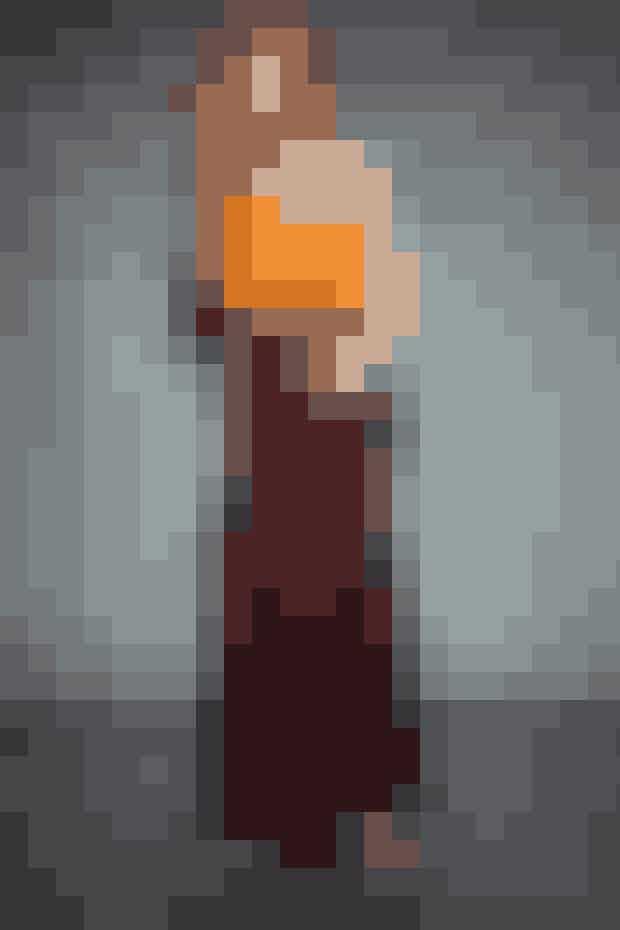 Bukser: Jesper Høvring // Top: Gestuz // Sko: Zara // Bælte: Carmen Copenhagen // Øreringe: Julie Nielsdotter // Armbånd: Griegst // Briller: Gucci hos Profil Optik