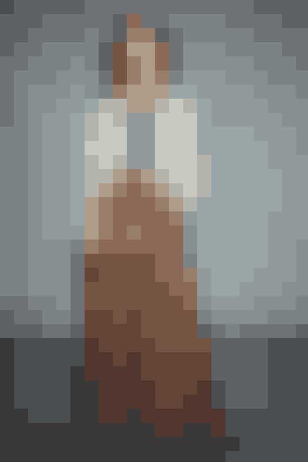 Skjorte: Designers Remix //Bukser: Designers Remix //Taske: Designers Remix//Sko: By Marlene Birger //Øreringe: Monies