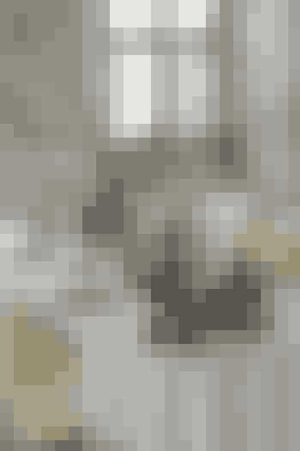 Kendisdækkede juleborde på Dronninglund SlotLægger man vejen forbi Dronninglund Slot kan man blandt andet kan opleve fire smukke juleborde dækket af skuespiller Ellen Hillingsø, kjoledesigner Jesper Høvring, skuespiller Bodil Jørgensen og slotsejer Henriette Høghsbro. Bordene er dækket ud fra den stil, der passer til vedkommendes traditioner og opfattelse af julen, hvorved det bliver en personlig bordfortælling. Dertil giver Georg Jensen Damask også deres bud på, hvordan årets julebord anno 2018 skal se ud. Med andre ord så er der rig mulighed for at hente inspiration til dit eget julebord! Læs mereher.Hvornår:Alle søndage i november og 1., 2., og 3. advent i december kl. 10-15.Hvor:Dronninglund Slot, Slotsgade 8, 9330 Dronninglund.