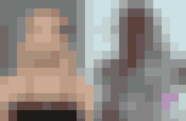 Emma Roberts afslog rollen som Brit i Spring Breakers – spillet af Ashley BensonDet var egentlig meningen, at Emma Roberts skulle have spillet en af hovedrollerne i Spring Breakers - sammen med bl.a. Selena Gomez og Vanessa Hudgens. Hun endte dog med at trække sig fra filmen, og produceren kaldte det for 'kreative forskelle' og fortalte, at han lavede en bestemt type film, og at det ikke er for alle. Ashley Benson endte med at overtage rollen.