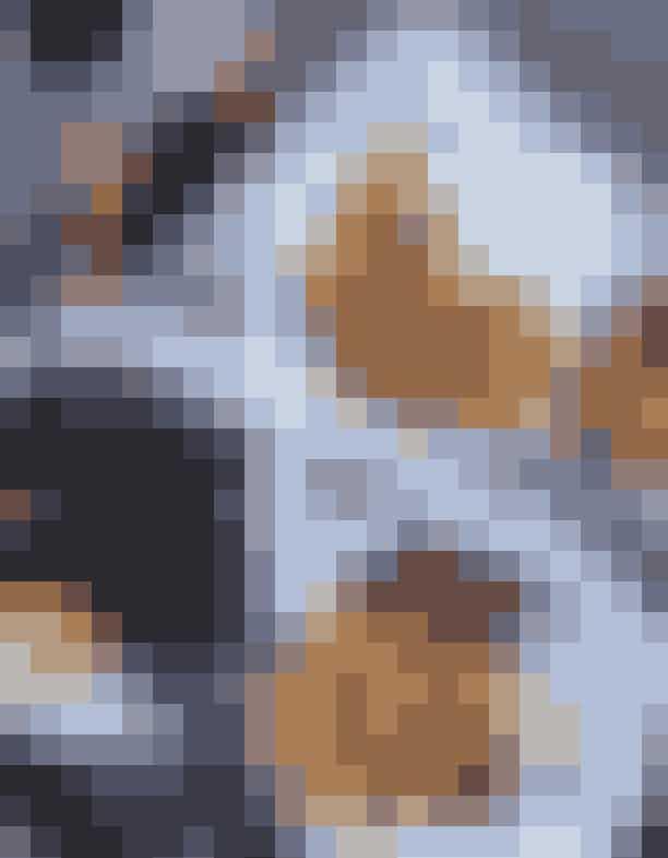 AARHUS3. OliNicoHos OliNico kan du få gourmetmad til billige penge. Menuen byder på alt lige fra Nordafrikanske pølser med chili og hjemmelavede pommes frites til sprøde kaninlår med frisk salat.Pris:Priserne for en menu starter ved 60 kr.Sted:Mejlgade 35, 8000 Aarhus C.