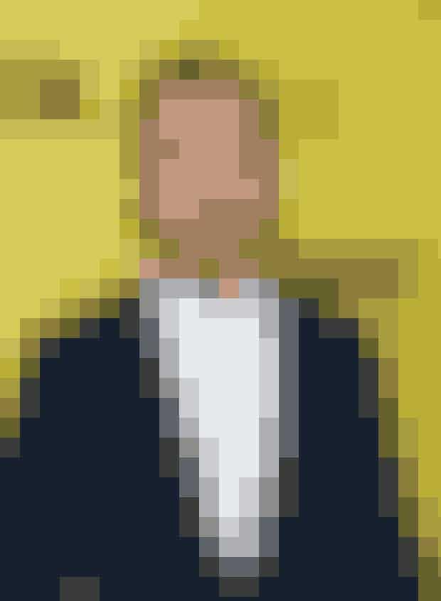 7. Ryan Gosling i filmen 'The Lovely Bones'Åh, Ryan! At du fik en fyreseddel her, er nok din egen skyld. Det var meningen, at Ryan skulle spille rollen som faderen Jack Solomon i filmen, men blev fyret af filminstruktør Peter Jackson, da han så, hvor meget Ryan havde taget på til rollen - på eget initiativ. Ryan fortalte senere The Hollywood Reporter, at han selv havde opfattetJack Solomon som en meget tykkere karakter, end Ryan var på det tidspunkt - og så begyndte Ryan blandt andet at drikke flydende Haagen Dazs is, når han følte sig tørstig. Resultatet kom hurtigt, og da Ryan mødte op på jobbet 27 kilo tungere, var en fyreseddel det eneste, han fik.