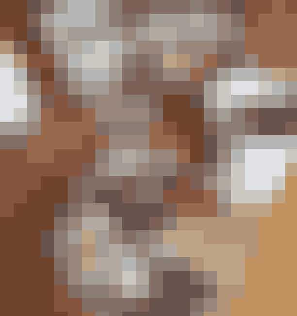 GrødMed sine mange placeringer både i Kbenhavn og Aarhus har Grød virkelig manifesteret sig på morgenmadsscenen. Forkæl dig selv med en 'All in', og nyd den lune grød med alverdens toppings som frugt, bær, nødder, kokos, chokolade, peanutbutter (vi kunne blive ved i dagevis).Hvor: 6 restauranter fordelt over København og Aarhus.