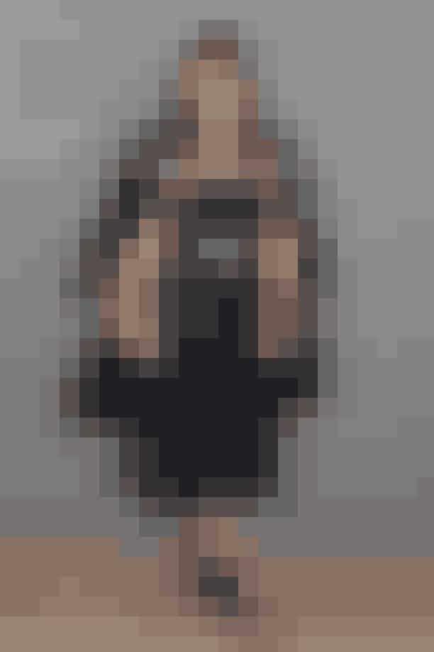 Helena Christensen Den københavnske skønhed, Helena Christensen, vandt i 1986 titlen som Miss Universe Danmark, og dette var hendes springbræt til at blive en verdensberømt supermodel.Helena Christensen er set i utallige modemagasiner, og hun har selvfølgelig også været på forsiden af dansk ELLE, senest i 2018.Et af de jobs som Helena Christensen særligt huskes for, er hendes tv-reklame for lingerie-brandet Victoria's Secret, hvor hun var engel sammen med andre store supermodeller som b.la. Tyra Banks.