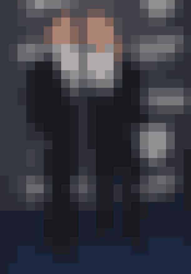 Paul Wesley og Ian Somerhalder, Vampire DiariesPaul Wesley var 27 år, da han begyndte at spille karakteren som den 17-årige vampyr, Stefan Salvatore, i tv-serien Vampire Diaries. Da serien sluttede, var han 35 og spillede den stadig 17-årige vampyr. Ian Somerhalder, der spillede den anden Salvatore-bror, Damon, var 30 år, da han skulle spille den 25-årige vampyr og 38 år, da serien sluttede. Vi ved godt, at vampyrer ikke ældes, men man skulle da næsten tro, at skuespillerne bag Salvatore-brødrene heller ikke gjorde det.