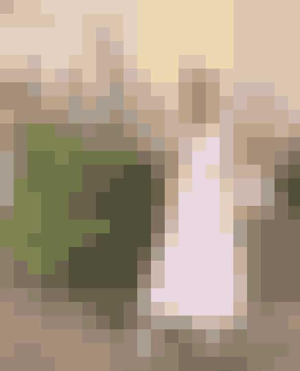 @johannekohlmetzblogPå Johannes profil finder du blandt andet de smukkeste hjemmesyede kjoler, der med sine pufærmer, smock og flæser har et rigtigt Ganni-lignende-look. Den kreative influencer er en rigtig genbrugs-guru og syer alle sine kreationer af gamle duge, stofrester og sengetøj, som er fundet i genbrug. Her finder du enkelte DIY-guides til blandt andet et fint, quiltet net med flæser, som er til fri afbenyttelse. Hun deler også gerne ud af sine bedste genbrugs-spots og tips til, hvordan du finder de gode ting i genbrug. Hvis du drømmer om at lave en af de smukke kjoler, har Johanne annonceret, at der kommer en guide til kjolerne til salg på profilen inden længe.Johanne er generelt en rigtig kreativ gør-det-selv-kvinde, så her er der massere af inspiration af hente - også til mange andre projekter.