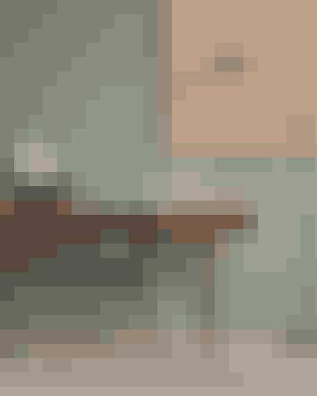 Vores indeklima bliver belastet af alt fra materialerne, vores bolig er byggetaf, til møblerne, vi indretter os med, og malingen på vores vægge. Vildu forbedre dit indeklima, kan du – ud over at lufte ud dagligt, som Sundhedsstyrelsenanbefaler – bl.a. gå efter en vægmaling med Svanemærket.Sådan en producerer norske Jotun, som blandt andet leverer maling tilFile Under Pops farver, der er så smukke, at du sikkert ville have valgtdem, også selv om de ikke var nær så miljøvenlige.Jotun.dk
