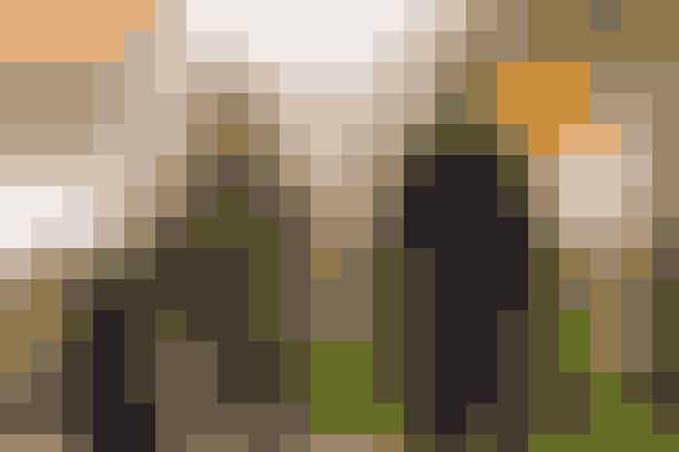 Katie Holmes og Jamie FoxxEfter at have holdt deres forhold temmelig afdæmpet siden 2013, viste parret endelig deres forhold frem til offentligheden under Met Gala i 2019. Men allerede i august samme år fandt pressen ud af, at Holmes og Foxx i al sin hemmelighed var gået fra hinanden i maj – blot kort efter de havde vist sig sammen som par for første gang.