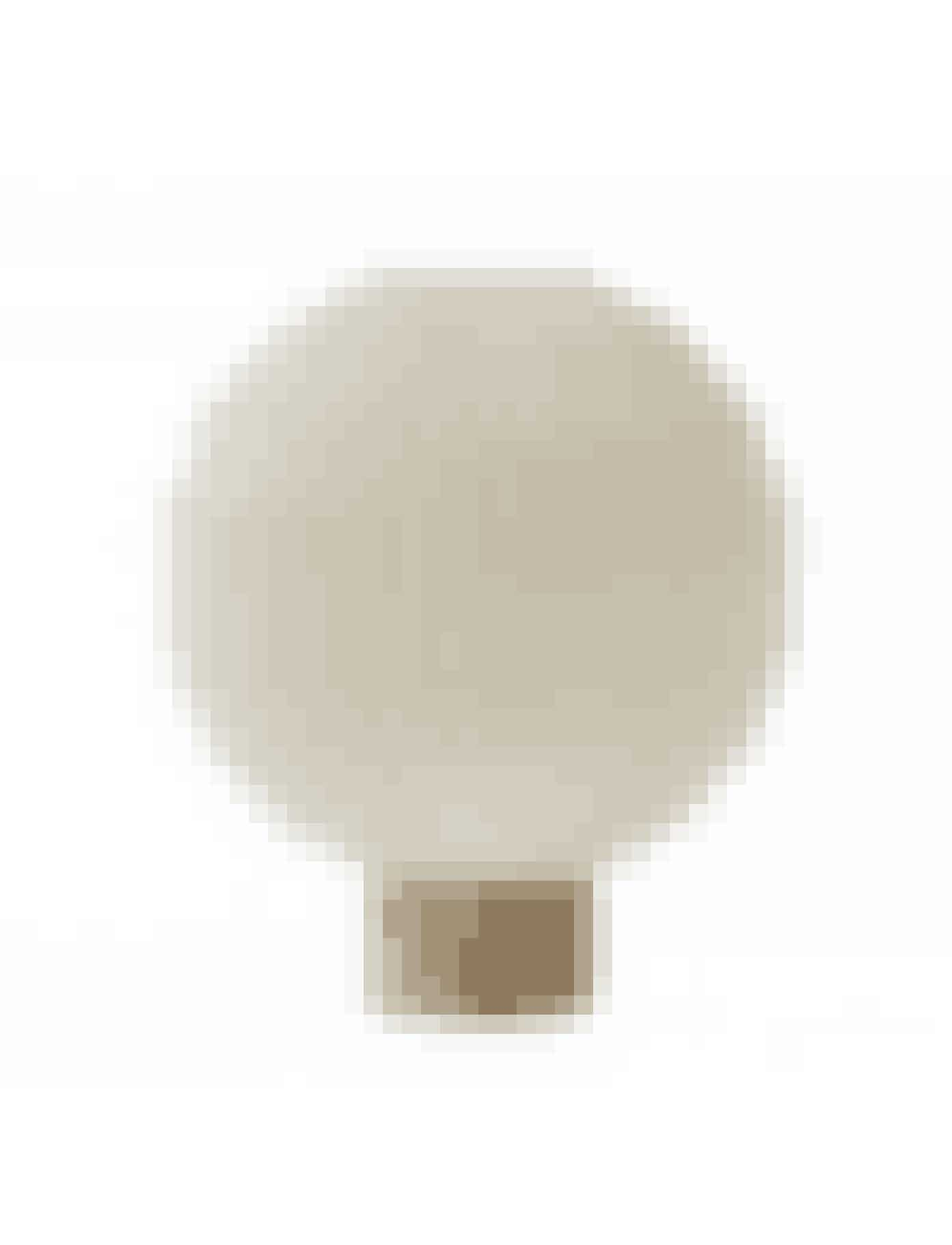 'Model 375'-bordlampe, Le Klint, 3.495 kr.Køb online her.