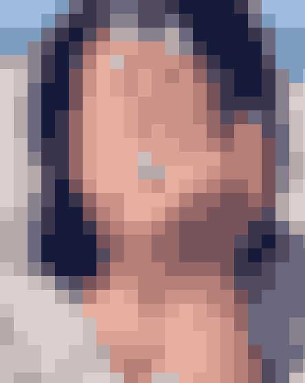 Lea MicheleDen 31-årige skuespillerinde sagde ja, da kæresten Zandy Reich friede med denne 4 caratradiant cut. Reich, der meget passende udtales 'rich' har haft cirka 250.000 dollars oppe af lommen, for at Lea kan pryde sin finger med den glitrende sten.
