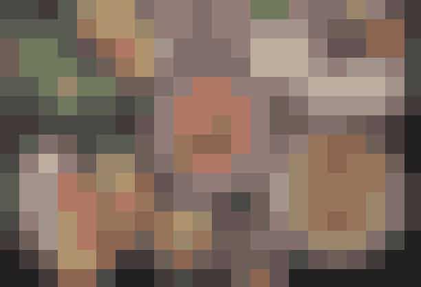 Mahalle.Mahalle er en ener. Her serveres retter fra det libanesiske køkken, og du kan udfordre dine smagsløg med retter, du aldrig har smagt før. Snyd ikke dig selv for halloumisalaten (fladbrød med hummus, avocado og granatæbler) eller myntelemonaden.Hvor: Birkegade 6 og Nørrebrogade 51, 2200 København N, Nansensgade66, 1366 København K ogRolighedsvej 15, 1958 Frederiksberg.Se mere her.