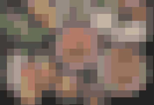 Mahalle.Mahalle er en ener. Her serveres retter fra det libanesiske køkken, og du kan udfordre dine smagsløg med retter, du aldrig har smagt før. Snyd ikke dig selv for halloumisalaten (fladbrød med hummus, avocado og granatæbler) eller myntelemonaden.Hvor: Birkegade 6, 2200 København N og Nansensgade66, 1366 København K.